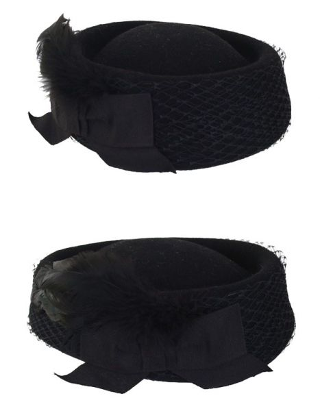 Ladies hat black low model with mesh and bow
