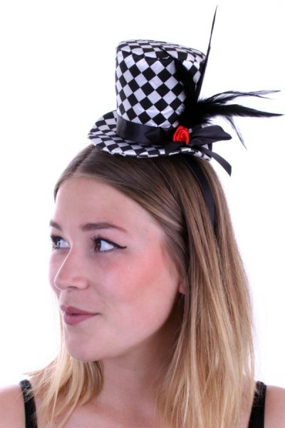 Mini hat black and white checkered with rose and feathers