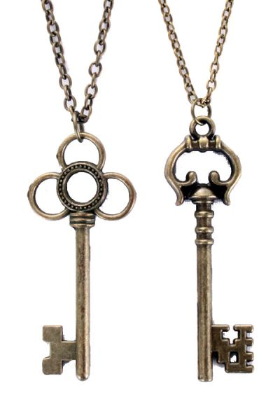 Steampunk necklace with 2 keys