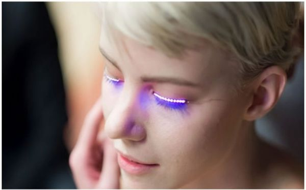 Interactive LED Eyelashes White. Luminous eyelashes