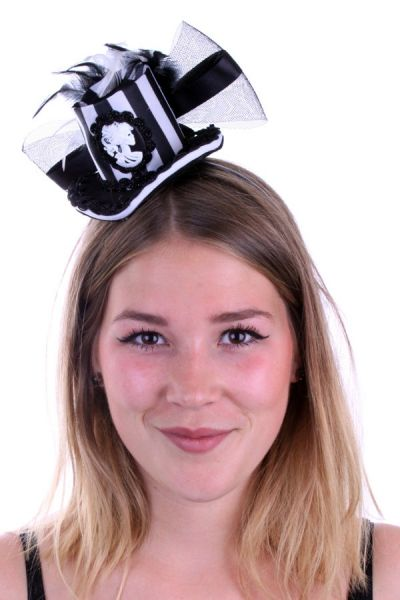 Mini hat black white with tulle feathers and cameo